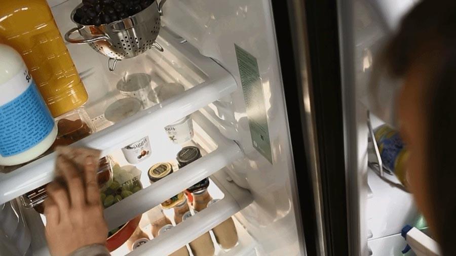 чистка поверхности холодильника своими руками