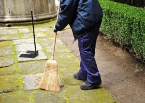 уборка территории дома расценки
